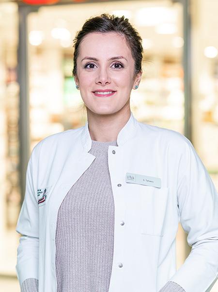 Pharmaziestudentin Frau Taheery